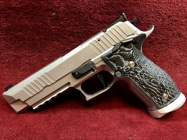 Sig Sauer - P226 X-Five Supermatch