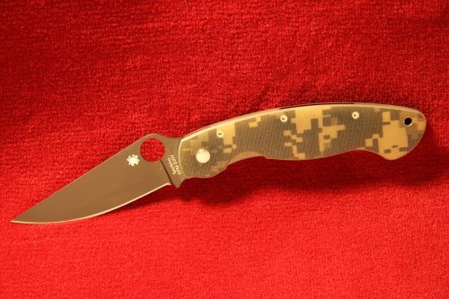 Spyderco - Military Camo - Black Blade